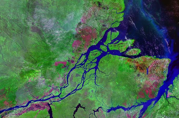 Spanning seven different countries in South America, the Amazon River is one of the longest rivers in the world. It reaches around 6400 kilometres (4000 miles) in length. This is a satellite image showing the mouths of the Amazon River in Brazil.